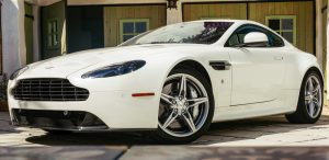 2016 Aston Martin Vantage GTS Is Old-School Cool Feature Articles