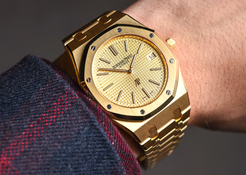 Audemars Piguet Extra-Thin Jumbo Royal Oak Ref. 15202 Gold Watch Hands-On