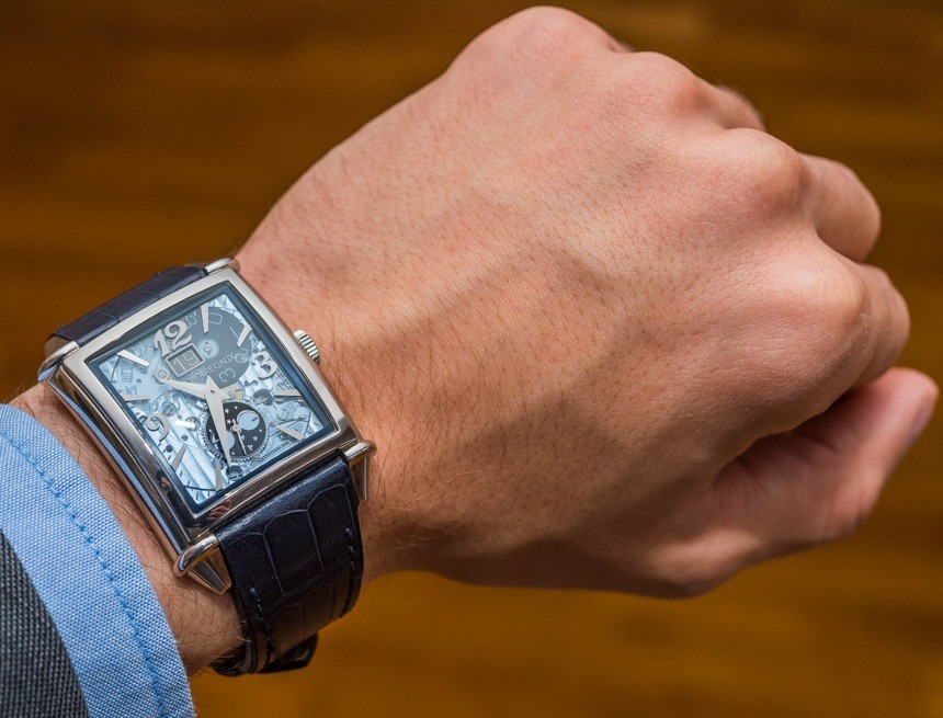 Girard-Perregaux Vintage 1945 XXL Large Date And Moon Phases Watch Review