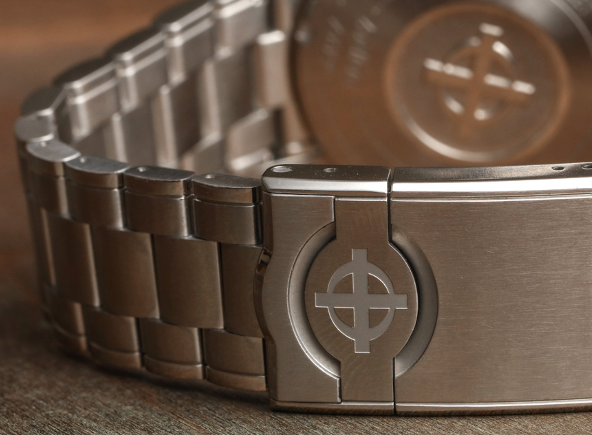 Zodiac Super Sea Wolf 53 Compression ZO9257, ZO9258 Watches On New Bracelet Hands-On Hands-On