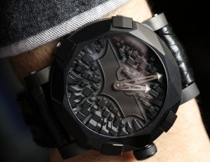 Romain Jerome Batman-DNA Gotham City Watch Hands-On Hands-On