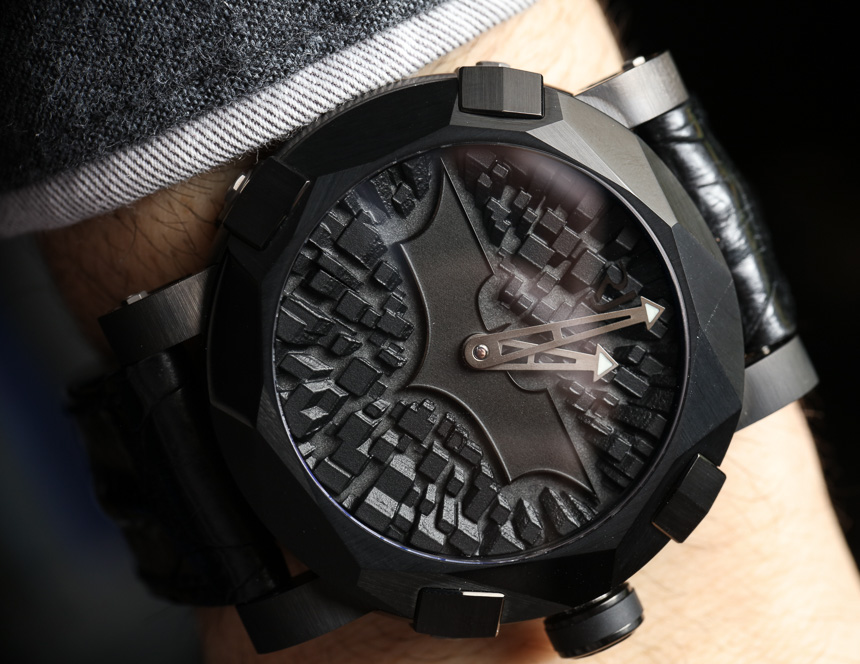Romain Jerome Batman-DNA Gotham City Watch Hands-On