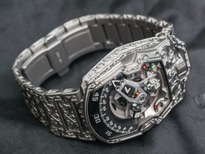 Urwerk Amadeus UR-210 Watch Hands-On Hands-On